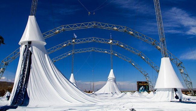 20140402-Odysseo-Tent-Raising-AE-0043