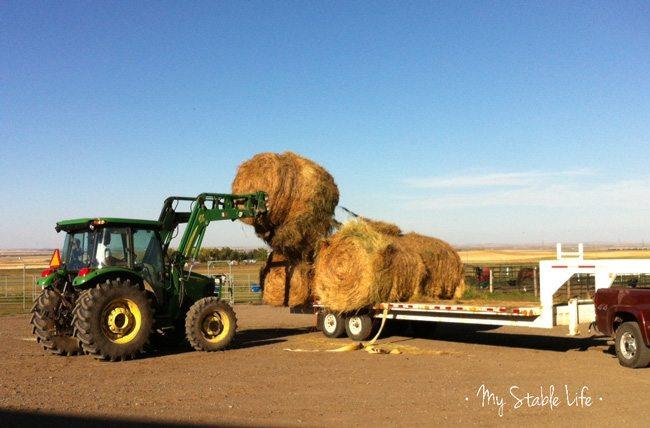 Tractor-Roundbales